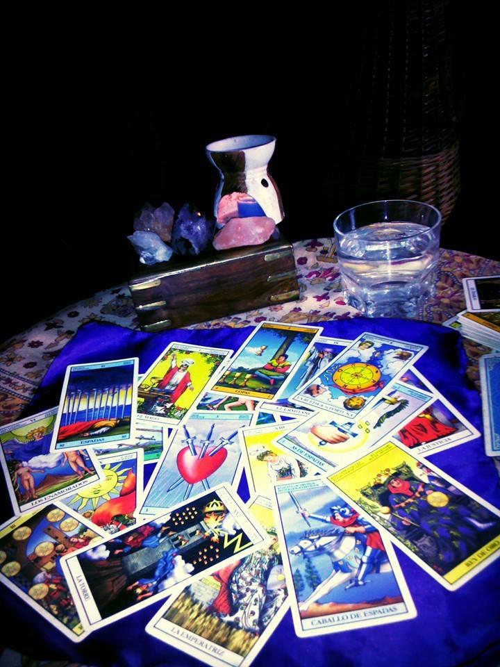 Cómo barajar las cartas de Tarot